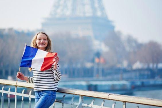 با سنت، فرهنگ و آداب رسوم کشور فرانسه آشنا شوید