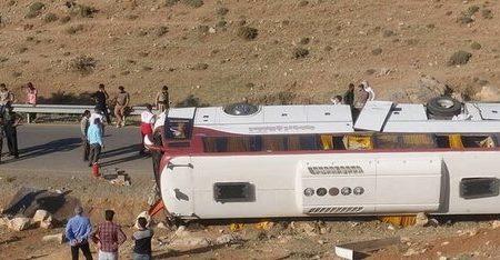 دستور وزیر اقتصاد درباره بیمه خبرنگاران در حادثه واژگونی اتوبوس