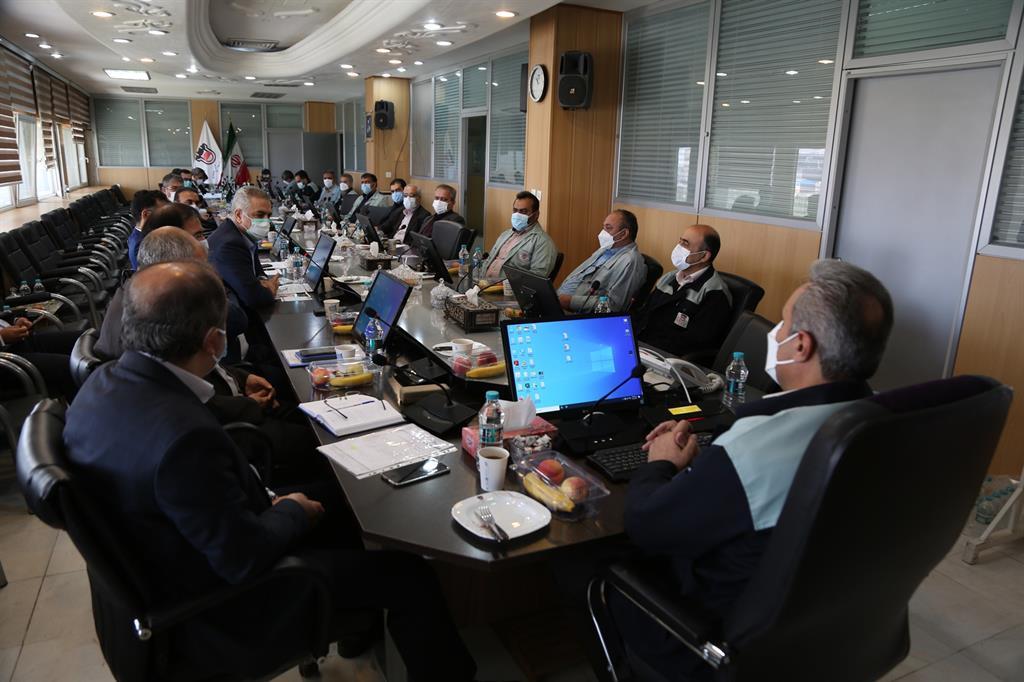 در نشست تعاملی ذوب آهن اصفهان با شرکت های حمل ریلی عنوان شد: شرکت های حمل ریلی خود را جزیی از زنجیره تولید ذوب آهن اصفهان می دانند