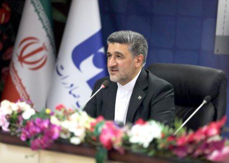 حجتاله صیدی در مراسم گرامیداشت هفتادمین سالگرد تأسیس بانک عنوان کرد ۶٢ درصد تسهیلات ١١ میلیارد دلاری بانک صادرات ایران در چرخه تولید